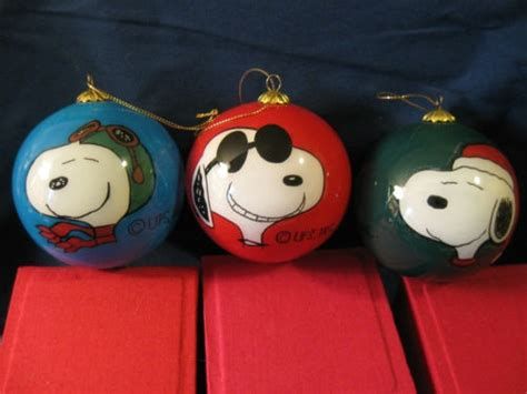 Snoopy Decorations by 25 Best Ideas About Snoopy On