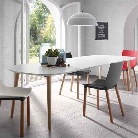 tavolo di legno allungabile tavolo allungabile in legno piano bianco opaco ian