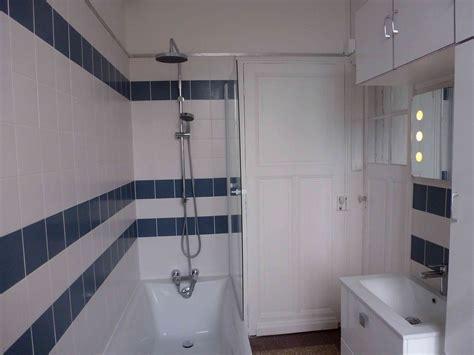 agréable Salle De Bain Bleu Et Blanc #1: salle-de-bain-lille-lignes-blanc-bleu.jpg