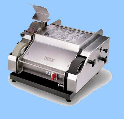Honing Kitchen Knives by Knife Sharpening Machine