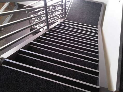 Rubber Stair Nosing Picture : Quality Rubber Stair Nosing