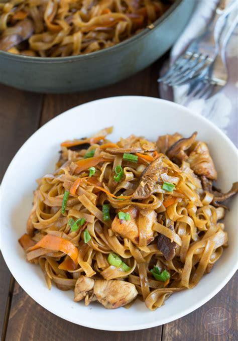 thai chicken curry noodles table    julie wampler