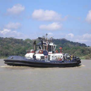 tugboat worker new york tugboat worker loses his arm in horrific accident