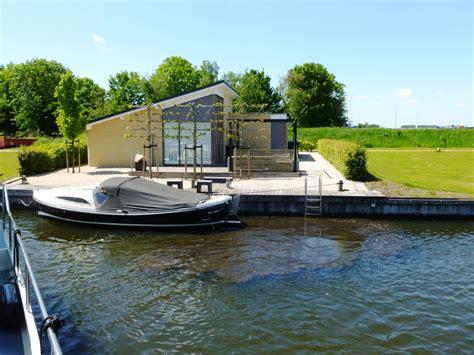 speedboot lemmer ferienwohnung type a mit eigenem liegeplatz direkt am wasser