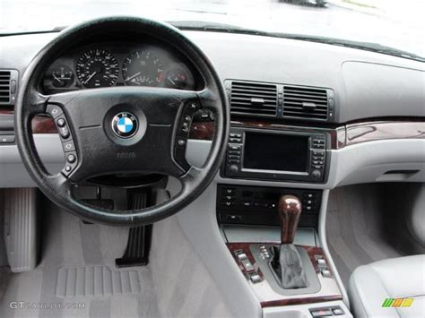 bmw 3 series dashboard 2003 bmw 3 series 325i sedan grey dashboard photo