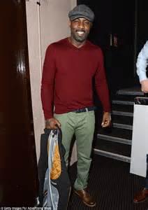 Idris Elba Shower by Idris Elba Laughs Off Viral Photos Of Suspicious Pants