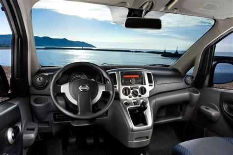 nissan evalia  pictures    cars datacom