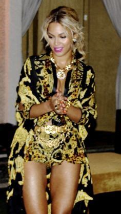 beyonce new years eve 2014 beyonce at the 2014 new years eve party at the versace