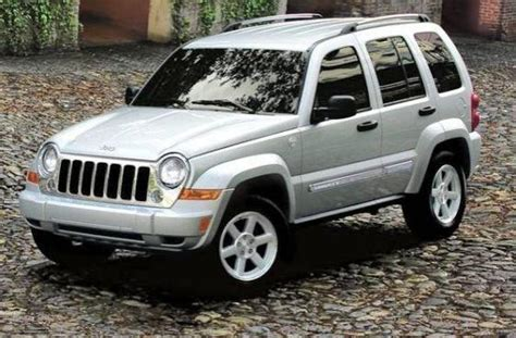 05 Jeep Liberty Front Left 2005 Jeep Liberty Silver Truck Photo