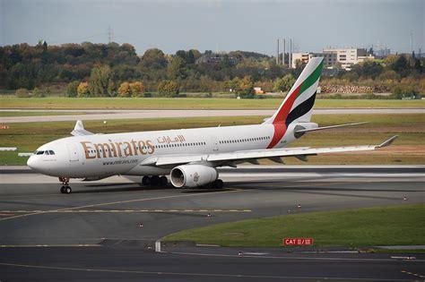 emirates a330 file emirates airbus a330 200 a6 eae dus 13 10 2009 558kv