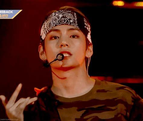 kim taehyung mic drop taehyung mic drop mullet boi pinterest bts kpop