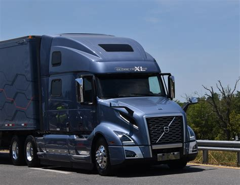 volvo vnl focuses  driver safety efficiency highway tractor fleet owner