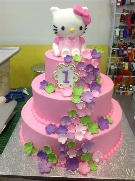 zero hello kitty themes hello kitty theme for a 1 year old sugarnomics cake