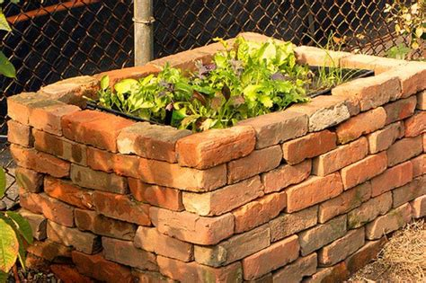 benefits of raised garden beds