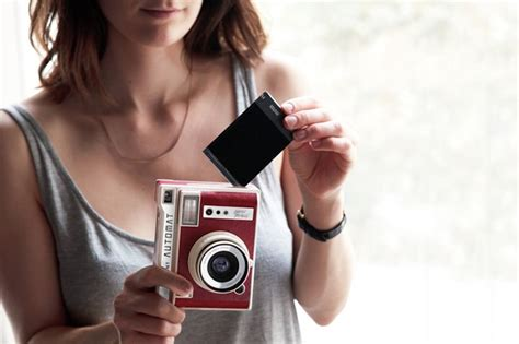best lomography lomo instant automat review 187 the gadget flow