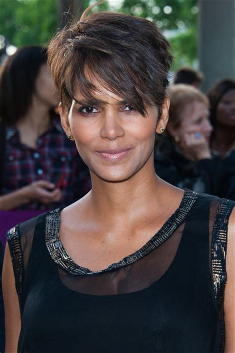 style pixie like halle berry halle berry pixie short hairstyles lookbook stylebistro