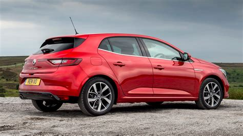 Renault Megane dCi 110 (2017) review by CAR Magazine