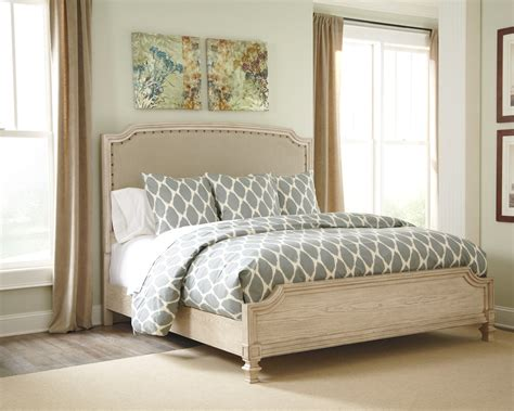 Panel Bedroom Set by Demarlos Upholstered Panel Bedroom Set From B693