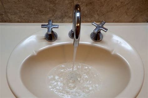 kitchen clogged both sides clogged kitchen faucet 28 images why is your kitchen