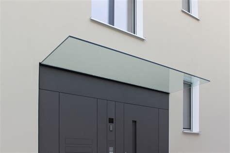 Door Canopy Awning Das Fl 228 Chenb 252 Ndige Eingangst 252 Relement Mit Glas Vordach