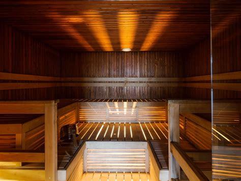 hotel sauna in petit guide du sauna finlandais pour les d 233 butants