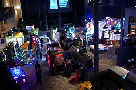cineplex rec room cineplex canada toronto opening gaming and sports bar rec