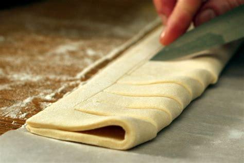 jalousie pastry peekaboo jam tart