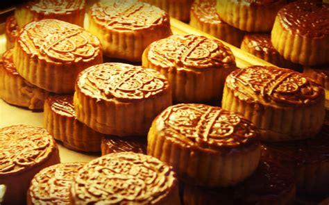 new year food mooncakes mid autumn festival mooncake wine pairings the