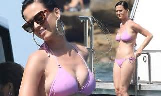 Katy perry shows off figure in pink bikini in sydney harbour daily