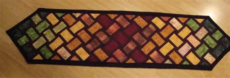 quilt pattern for table runner table runner quilt by louisechughes on deviantart