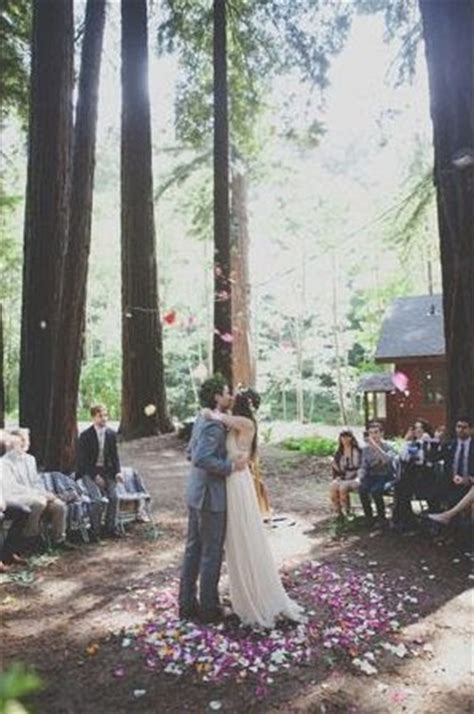 the confetti how to create wedding petal pathways