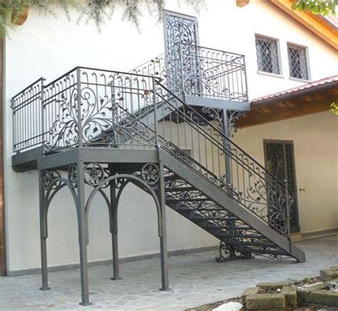ringhiera in ferro prezzi ringhiere e recinzioni in ferro caratteristiche e costi