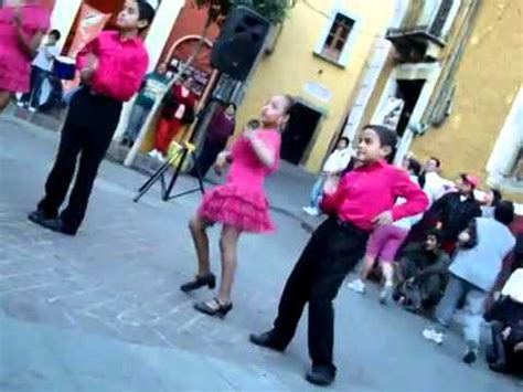 imagenes niños bailando ni 241 os bailando merengue en el cervantino 2011 low youtube