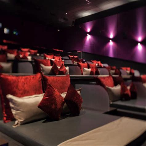 cinema 21 kemang when scarlet and violet melted tentang velvet class