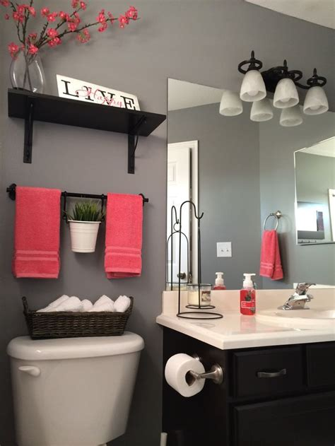 decorate my bathroom 17 best ideas about small bathroom decorating on pinterest