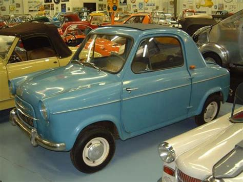 Vespa Auto by 1957 Vespa 400