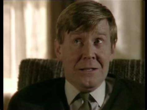 alan bennett a cream cracker under the settee a chip in the sugar alan bennett talking heads youtube