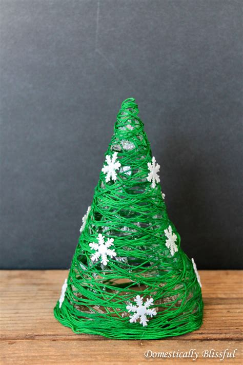 23 diy mini christmas tree decor ideas homelovr