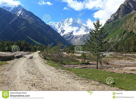 mountain valley royalty free stock photos image 34806918 mountain valley stock image image of trail ridge tree