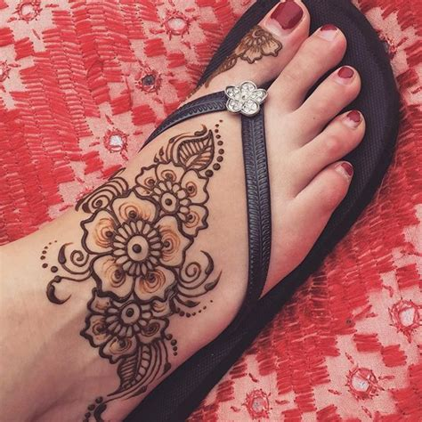 henna tattoo foot simple best 25 foot henna ideas on henna foot