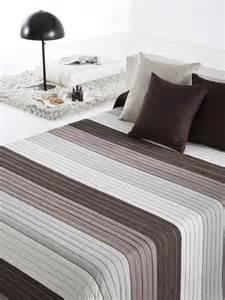 couvre lit rayures pas cher dessus de lit pas cher reig