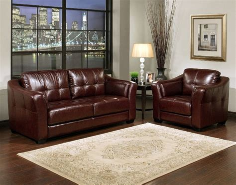 burgundy leather sofa armchair set like the wall color a traditional country and