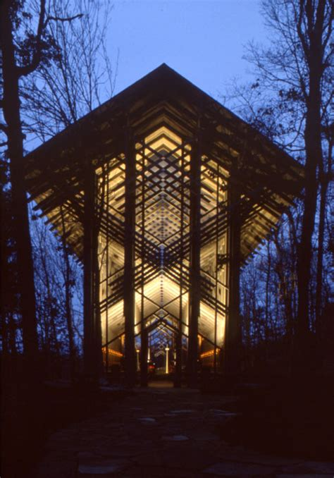 The Thorncrown Chapel by E. Fay Jones   Homesthetics