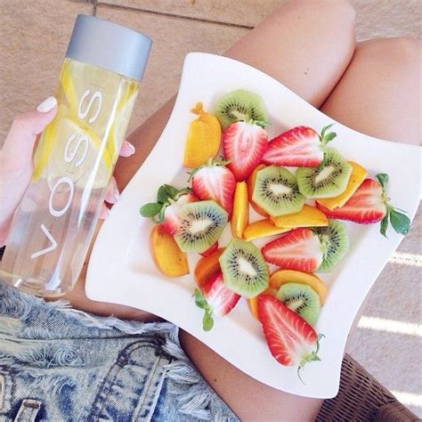 Voss Detox Recipes by Healthy Voss And Fruit Workout Detox Fit Workit