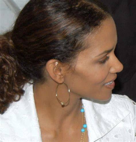 Halle Admits To Attempt by 18 Interesting Facts About Halle Berry Facts About All