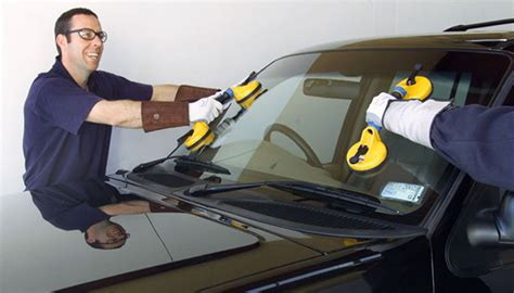 repair glass optimal auto glass montreal windshield replacement in