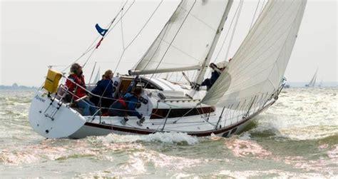 polka zeiljacht van de stadt design yacht designers and naval architects