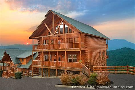7 bedroom cabins in pigeon forge pigeon forge cabin splash mountain 7 bedroom sleeps 24
