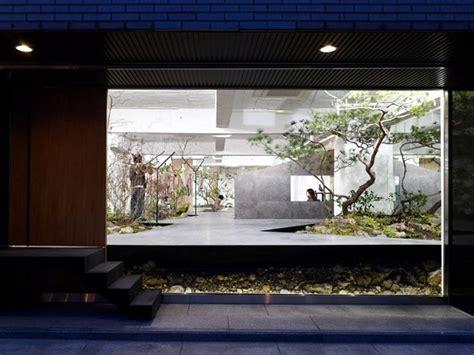 office furniture  exhibition space   minimalist style interior design ideas ofdesign