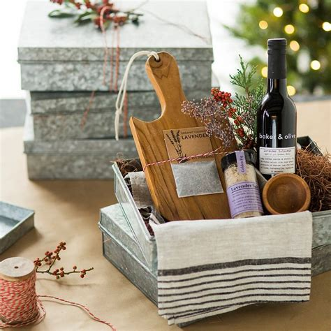 kitchen gift ideas 1000 ideas about kitchen gift baskets on gift